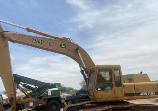 1989 John Deere 790D Track Excavator