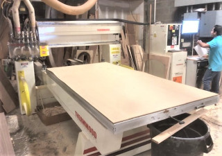 4' X 8' Thermwood C40 3-Axis Cnc Router