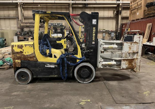 """15,500 Hyster S155Ft Forklift With 75"""" Heavy Duty Cascade Roll Clamp"""