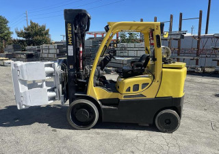 """13,500 Pound Hyster Forklift With 60"""" Cascade Roll Clamp"""