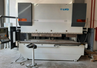 LVD PPEB 135/30 CNC Press brake with 9 axis