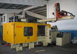 Husky LX 300 Injection moulding machine