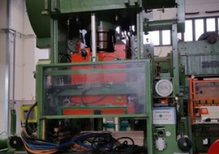 Balconi Press  300 ton