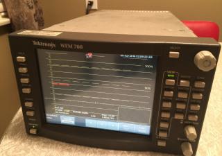 Tektronix WFM700
