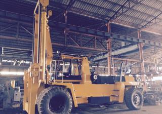 Komatsu 40 ton  FD400-1